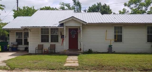 300 Texas St, Rockdale, TX 76567 (#3818733) :: Papasan Real Estate Team @ Keller Williams Realty