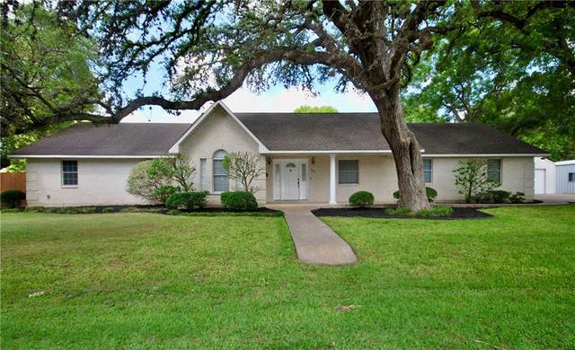 201 N Hackberry St, Moulton, TX 77975 (#4074491) :: Papasan Real Estate Team @ Keller Williams Realty