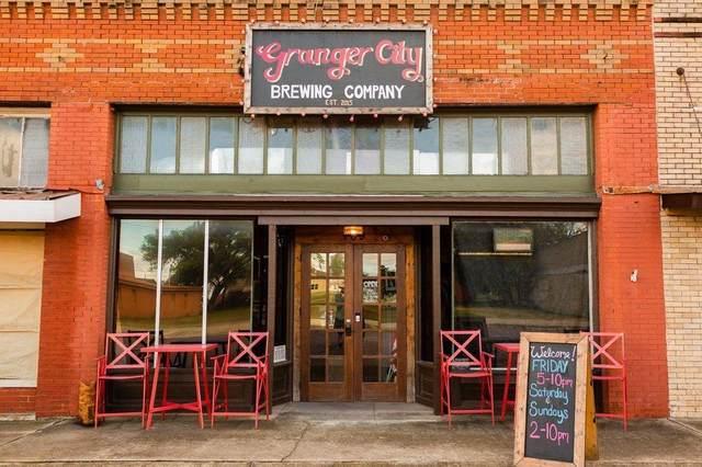 109 W Davilla St, Granger, TX 76530 (#4155991) :: Green City Realty