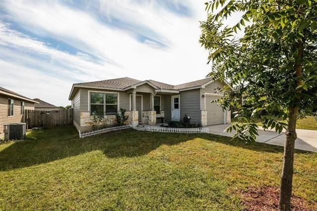 2421 Stoneham St, Temple, TX 76504 (#4359565) :: Papasan Real Estate Team @ Keller Williams Realty