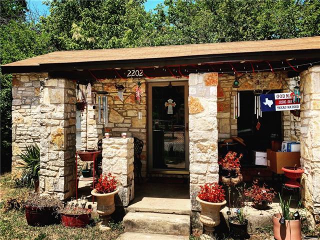 2202 E 2 1/2 St, Austin, TX 78702 (#4364589) :: 12 Points Group