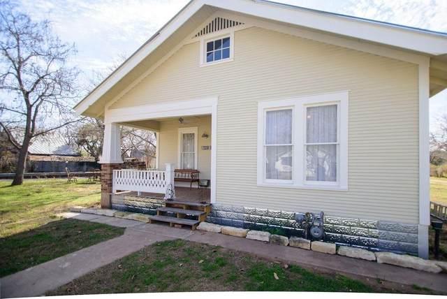 601 W Peach St, Fredericksburg, TX 78624 (#4378670) :: Papasan Real Estate Team @ Keller Williams Realty