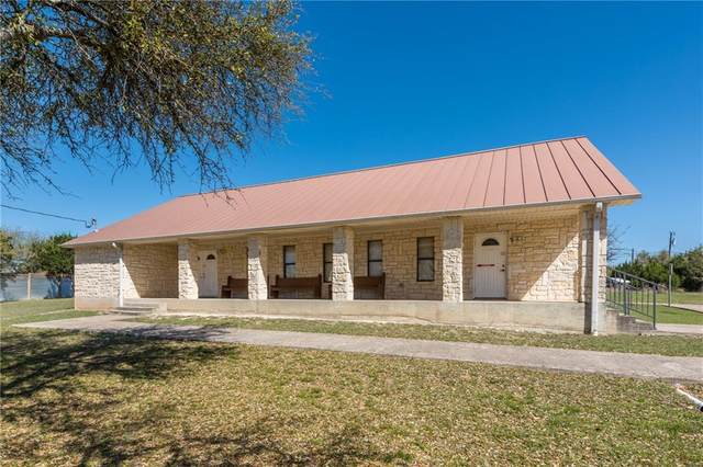 17408 Village Dr, Dripping Springs, TX 78620 (#4415162) :: Watters International