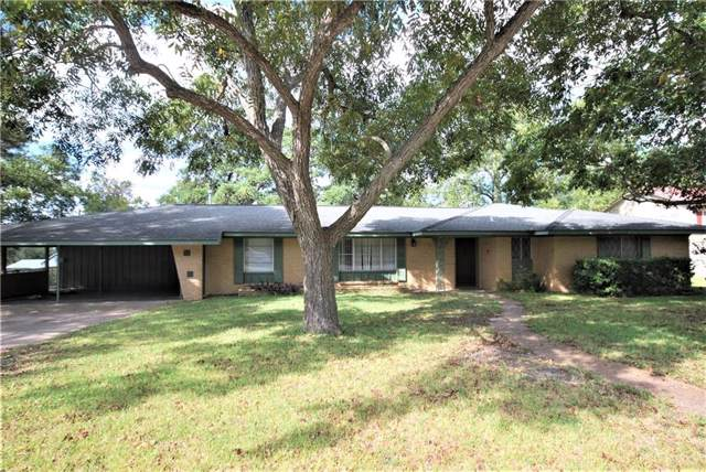 203 E 4th St, Flatonia, TX 78941 (#4417509) :: The Perry Henderson Group at Berkshire Hathaway Texas Realty