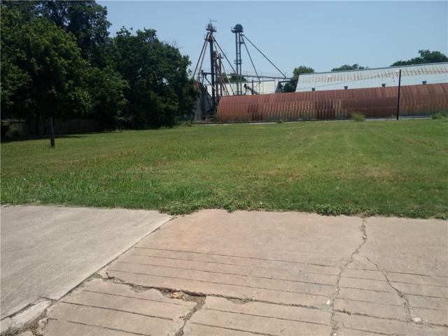 301 N Main St, Elgin, TX 78621 (#4456542) :: The Heyl Group at Keller Williams
