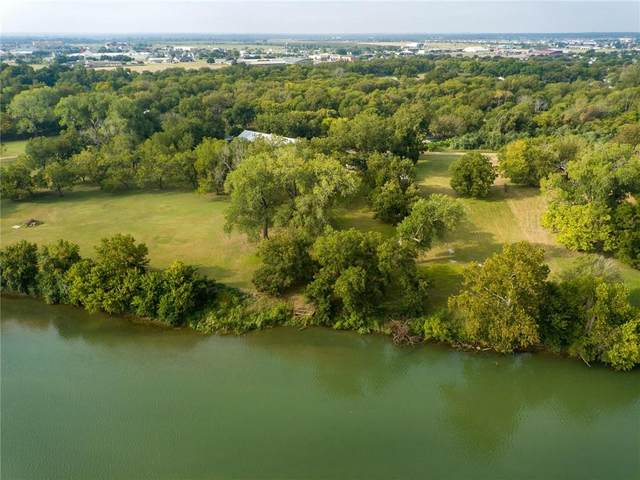 104 Shoreline Dr, Bastrop, TX 78602 (#4521581) :: R3 Marketing Group