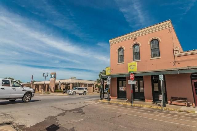 103 E Main St, Bellville, TX 77418 (#4575256) :: Lauren McCoy with David Brodsky Properties