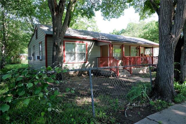 403 Walker St, Smithville, TX 78957 (#4644551) :: Papasan Real Estate Team @ Keller Williams Realty