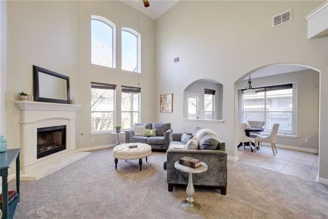 561 Middle Crk, Buda, TX 78610 (#4741474) :: The Perry Henderson Group at Berkshire Hathaway Texas Realty