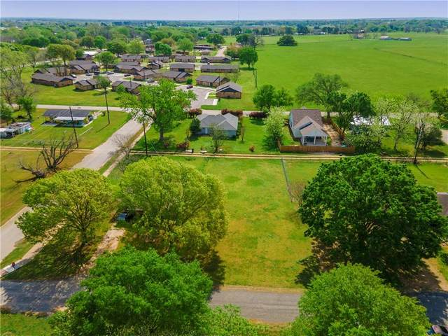403 Lynch St, Smithville, TX 78957 (#4884706) :: Watters International