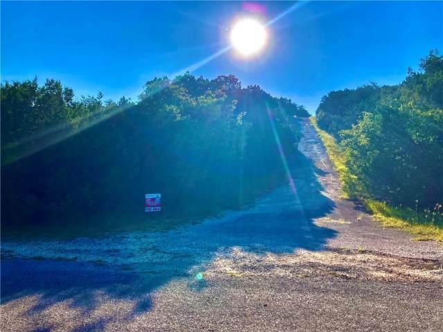 8411 Timber Trl, Lago Vista, TX 78645 (#5257223) :: Sunburst Realty