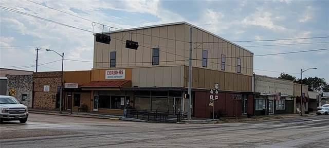 137 N Main St, Rockdale, TX 76567 (#5264434) :: ORO Realty