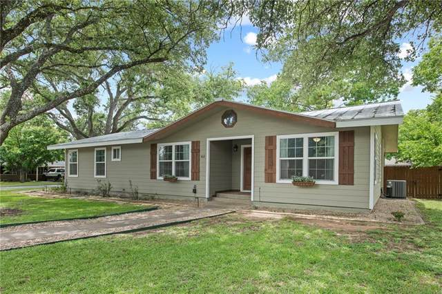 802 N Lincoln St, Fredericksburg, TX 78624 (#5477267) :: Papasan Real Estate Team @ Keller Williams Realty