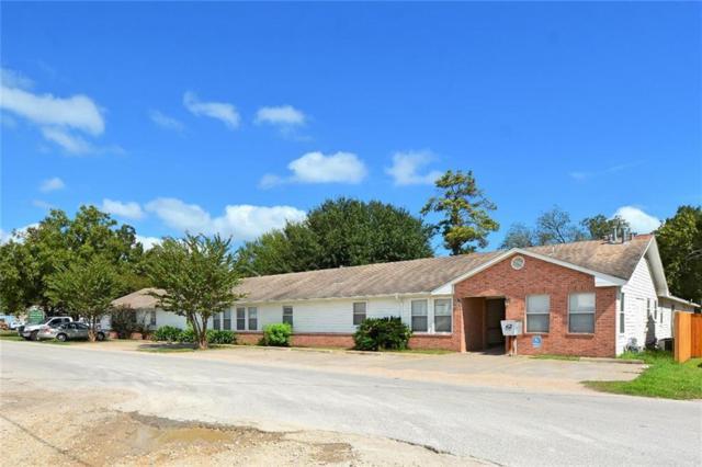 219 NE 1st St, Smithville, TX 78957 (#5554583) :: Papasan Real Estate Team @ Keller Williams Realty