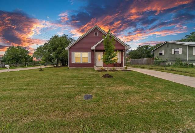 1628 Armstrong St, Luling, TX 78648 (#5558655) :: R3 Marketing Group