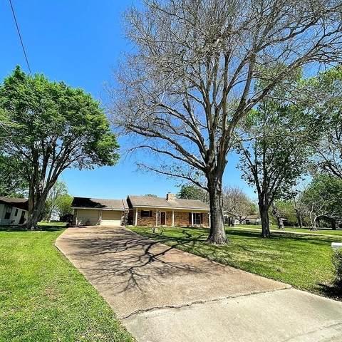 802 N Horton St, La Grange, TX 78945 (#5563055) :: ORO Realty