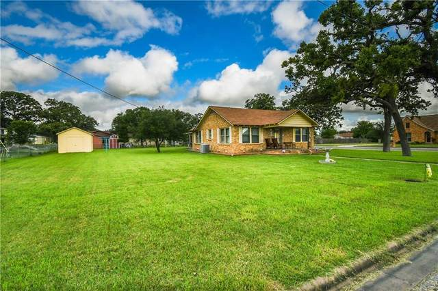 589 N Chambers St, Giddings, TX 78942 (#5685284) :: The Summers Group