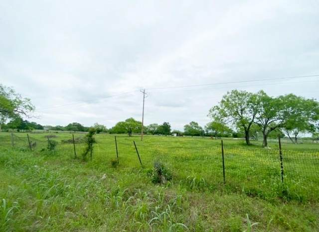 2023 N Magnolia Ave, Luling, TX 78648 (#5731387) :: RE/MAX Capital City