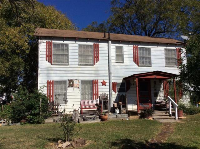 145 E Liberty St, Giddings, TX 78942 (#5845976) :: Papasan Real Estate Team @ Keller Williams Realty