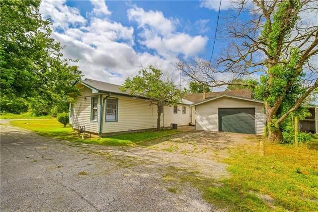 215 N Lillian St, Bartlett, TX 76511 (MLS #5991612) :: The Lugo Group