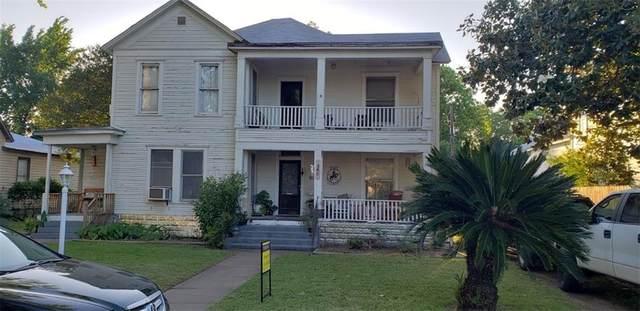 305 Ramona St, Smithville, TX 78957 (MLS #5995935) :: Brautigan Realty