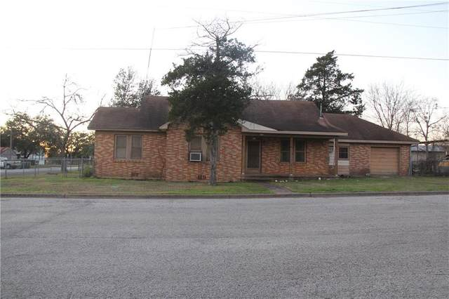 571 S Williamson St, Giddings, TX 78942 (#6160270) :: Lucido Global