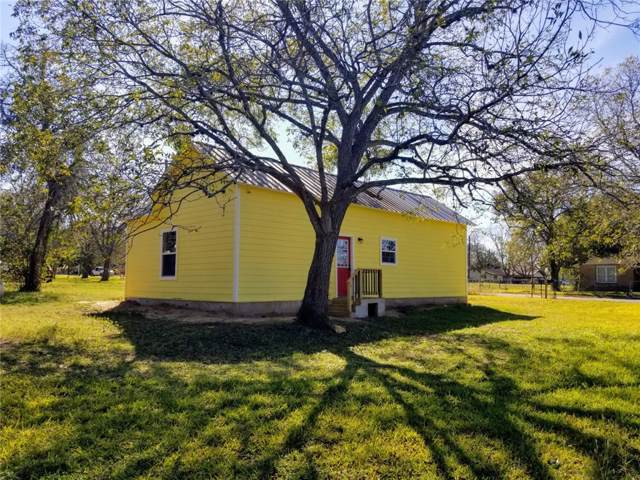 619 S Converse St S, Flatonia, TX 78941 (#6161395) :: The Perry Henderson Group at Berkshire Hathaway Texas Realty