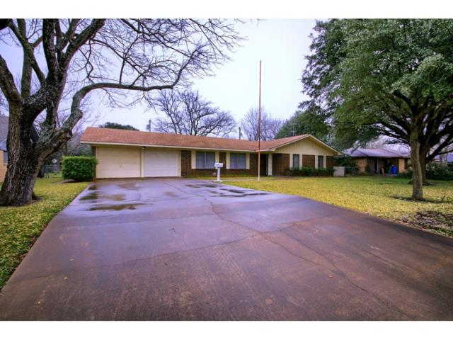 2304 W Lake Dr, Taylor, TX 76574 (#6162080) :: 12 Points Group