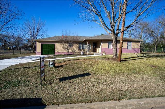 447 E 3rd Ave, Rockdale, TX 76567 (#6216022) :: The Perry Henderson Group at Berkshire Hathaway Texas Realty