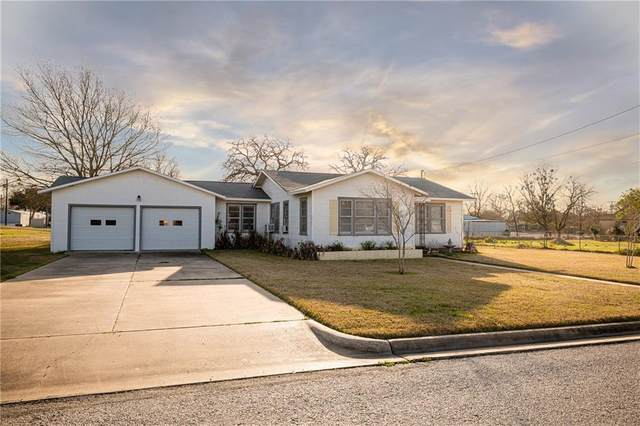 824 S Ellis St, Giddings, TX 78942 (#6297419) :: Realty Executives - Town & Country