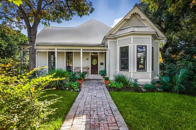 1011 E 8th St, Austin, TX 78702 (#6347583) :: 10X Agent Real Estate Team