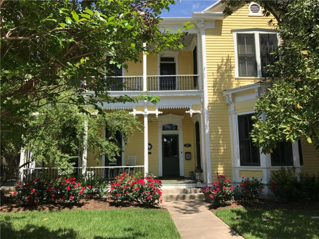 1006 Chestnut St, Bastrop, TX 78602 (#6369437) :: Watters International