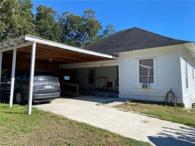 616 Williams St, Gonzales, TX 78629 (#6394740) :: Empyral Group Realtors