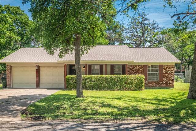 9207 Robins Nest Ln, Austin, TX 78729 (#6651942) :: The Summers Group