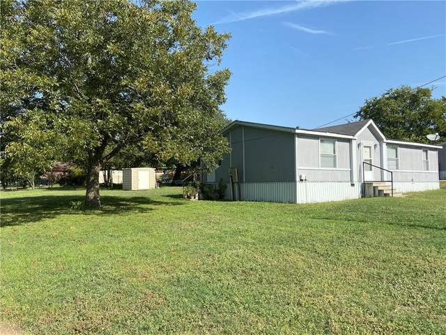 915 E Pearl St, La Grange, TX 78945 (#6702085) :: Watters International