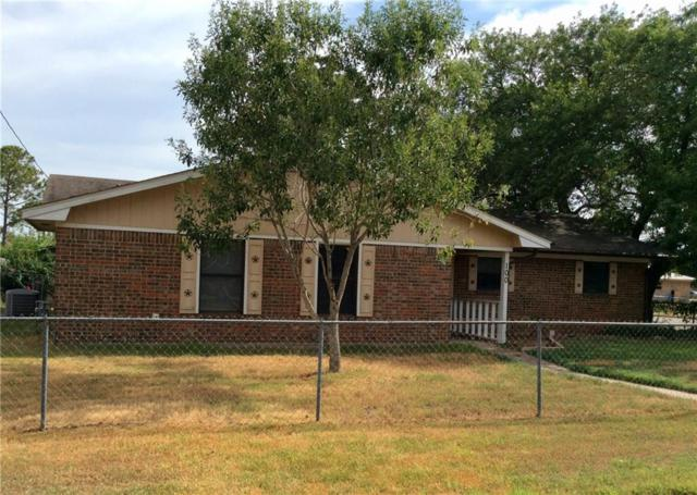 100 Mesquite St, Giddings, TX 78942 (#6711465) :: The Perry Henderson Group at Berkshire Hathaway Texas Realty
