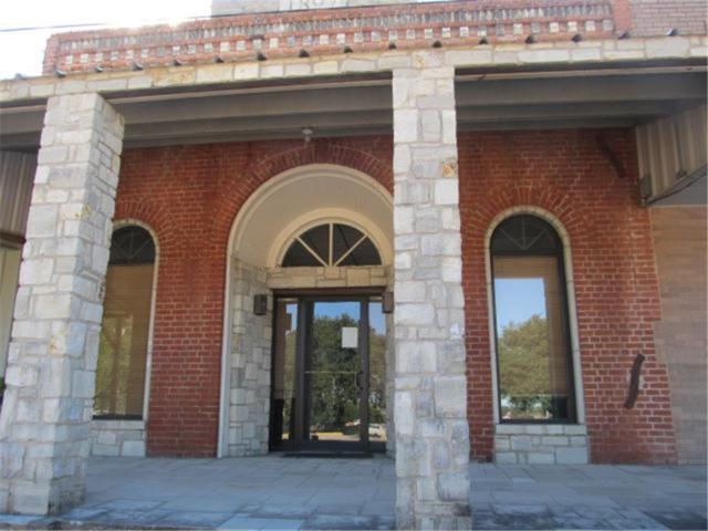 110 S Main St, Other, TX 77975 (#6835559) :: KW United Group