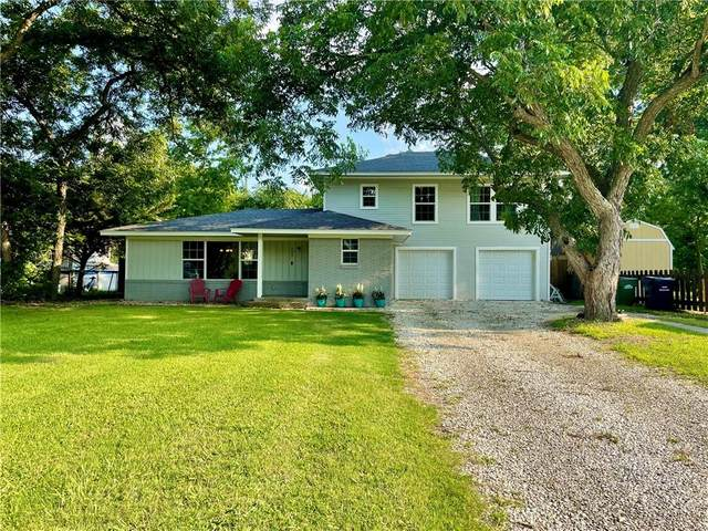 303 W Davilla St, Granger, TX 76530 (#6979786) :: Papasan Real Estate Team @ Keller Williams Realty