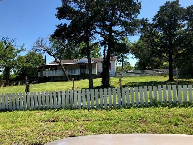 113 Kiowa Dr, Smithville, TX 78957 (#7004320) :: The Summers Group