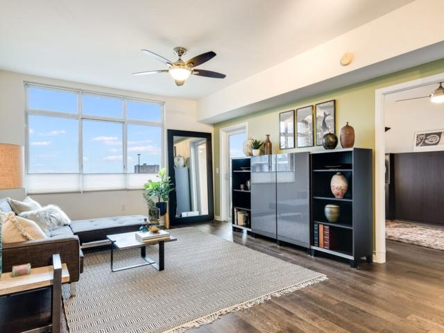 54 Rainey St #913, Austin, TX 78701 (#7131079) :: Ben Kinney Real Estate Team
