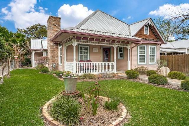 461 N Central Ave, New Braunfels, TX 78130 (#7204694) :: The Heyl Group at Keller Williams