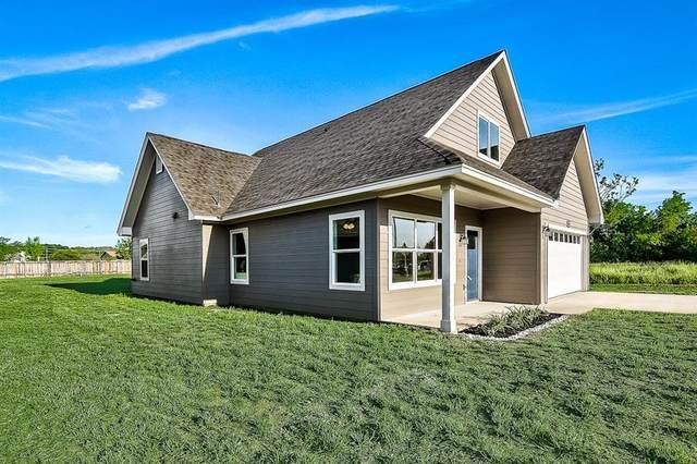2411 Wilson St, Bastrop, TX 78602 (#7271252) :: Ben Kinney Real Estate Team
