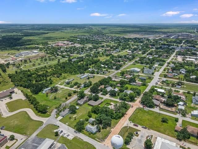 301 E Lane Ave, Manor, TX 78653 (#7295888) :: Papasan Real Estate Team @ Keller Williams Realty