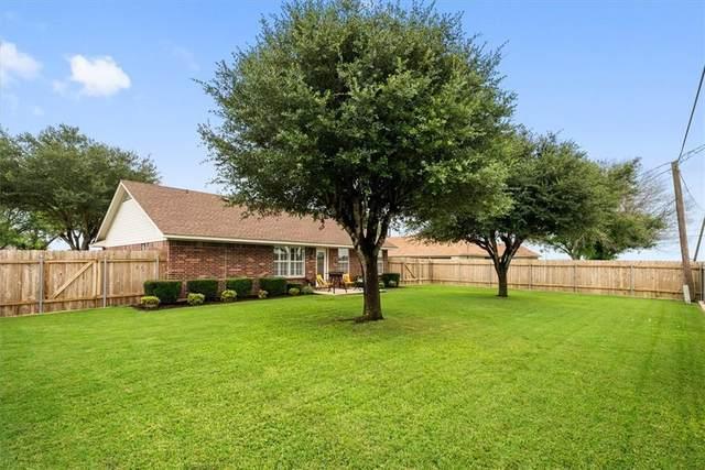 1017 San Jacinto St, Lockhart, TX 78644 (#7330060) :: Papasan Real Estate Team @ Keller Williams Realty