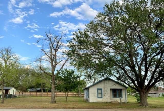 688 S Leon St, Giddings, TX 78942 (#7340386) :: Ben Kinney Real Estate Team