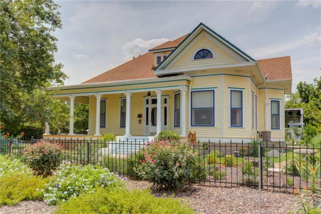 520 N Milam St, Seguin, TX 78155 (#7393531) :: The Perry Henderson Group at Berkshire Hathaway Texas Realty