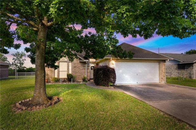 813 San Jacinto St, Lockhart, TX 78644 (#7461661) :: The Perry Henderson Group at Berkshire Hathaway Texas Realty