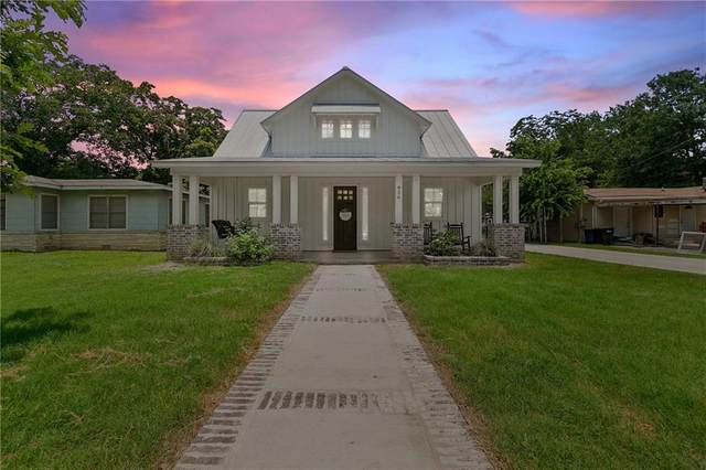 936 N Union Ave, New Braunfels, TX 78130 (#7677275) :: Lancashire Group at Keller Williams Realty