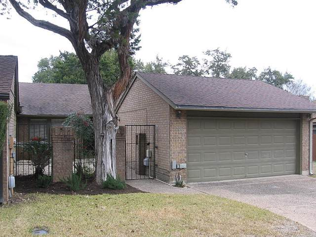 5700 Jamboree Ct, Austin, TX 78731 (#7738362) :: The Perry Henderson Group at Berkshire Hathaway Texas Realty