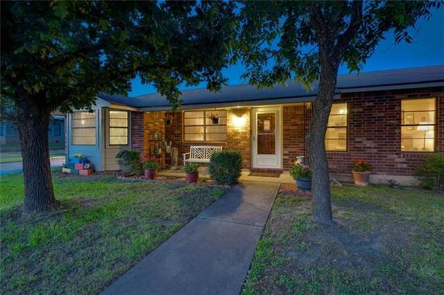 402 N Patterson Ave, Florence, TX 76527 (#7868617) :: R3 Marketing Group